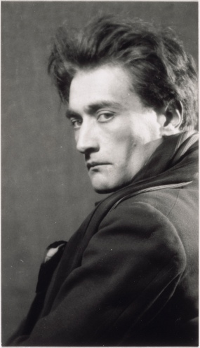 antonin-artaud-man-ray