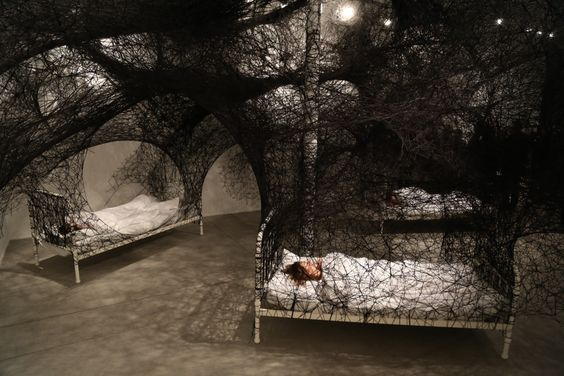 during-sleep-chiharu-shiota